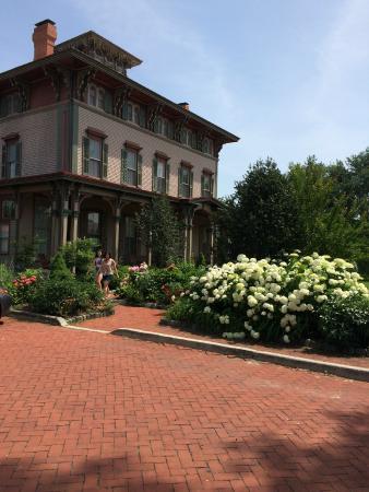 Lotus Inn: Cape May- Southern Mansion