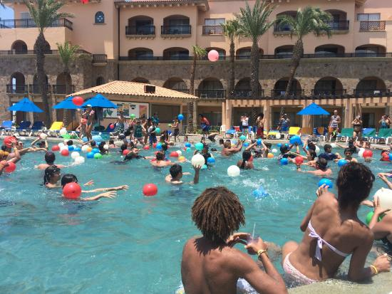 Royal Solaris Los Cabos Water Balloon Fight On 4th Of July
