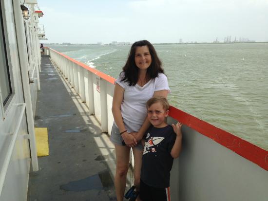 Galveston - Port Bolivar Ferry: away we go