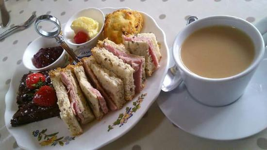 Massey's traditional tea room: Lovely gluten free afternoon tea :-)