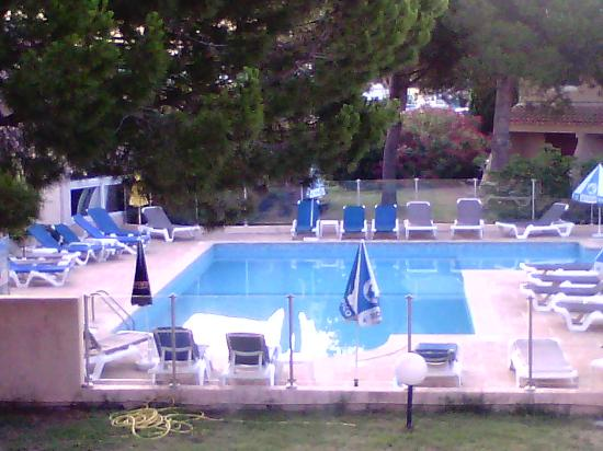 Royal Hotel : piscine