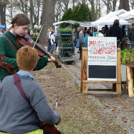 Deering Oaks Park: Farmers Market!