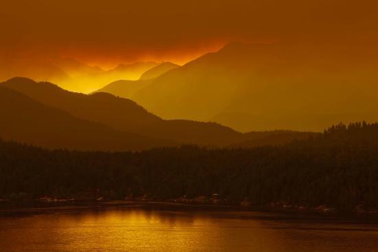 Ocean Ridge Retreat: Our sunrise.....