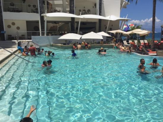 Now Amber Puerto Vallarta Swim Up Bar Pool
