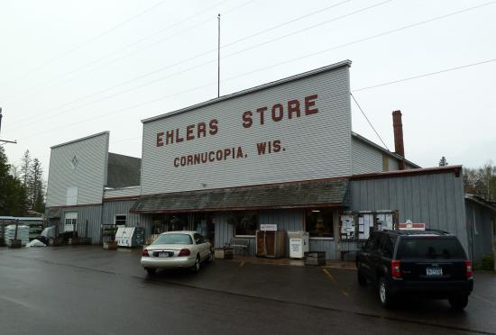 Ehler's Store à Cornucopia WI façade