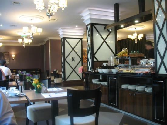 Carlton Hotel Budapest: ambiente colazione
