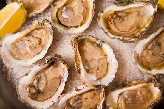 Eastern Shore of Virginia, فيرجينيا: Over a dozen raw bars serve just-caught local seafood.