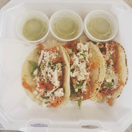 Eastern Shore of Virginia, فيرجينيا: This food truck in Exmore serves delicious tacos.