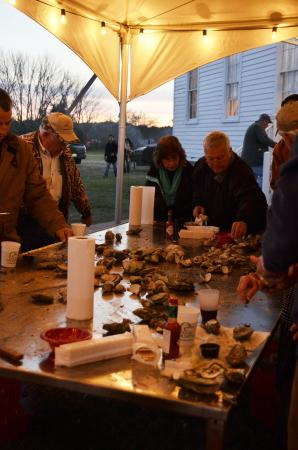 Eastern Shore of Virginia, فيرجينيا: The fall oyster roast is a tradition that's hundreds of years old.