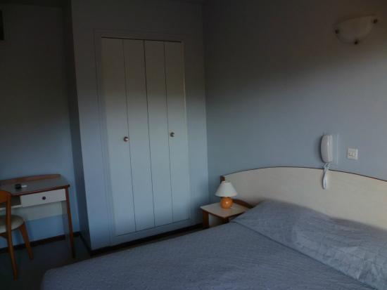 Hotel Cyrnea: Chambre