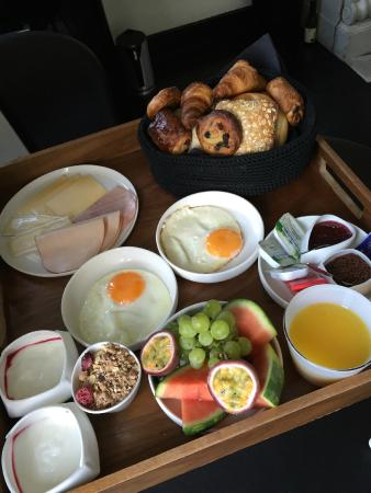 Suites@FEEK: Another lovely breakfast!