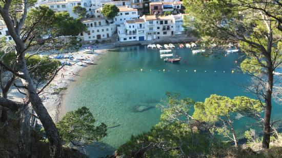 Begur, Spanyol: Вид на бухту с холма
