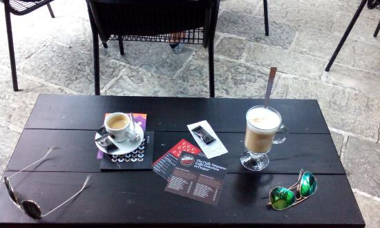 Casper Bar: Great atmosphere, even better coffee :)