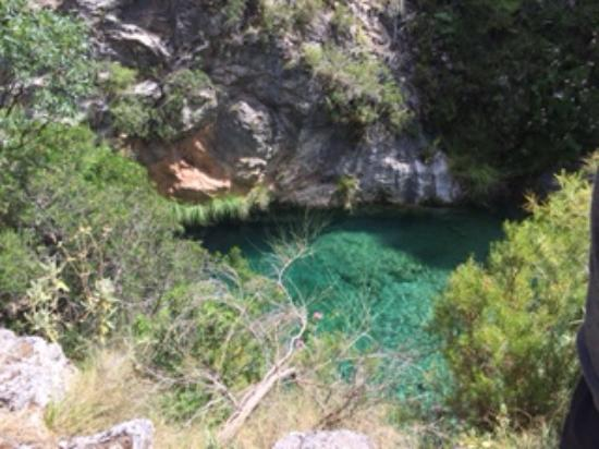 Almunecar, Spania: Beautiful turquoise waters at the rock pools.