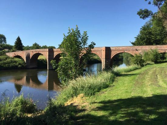 River Wye Runs Through The Garden Picture Of Brobury
