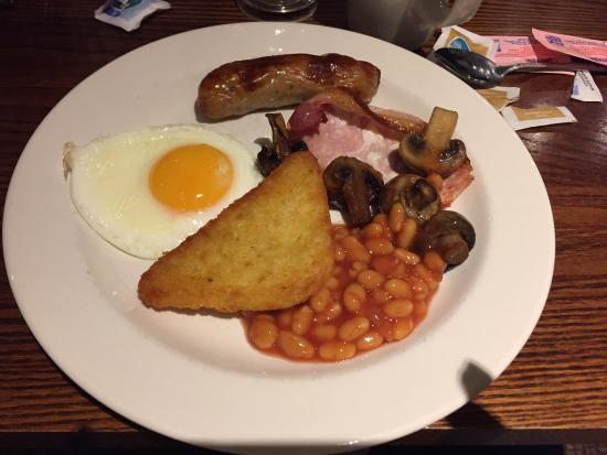 Premier Inn London Gatwick Airport (North Terminal) Hotel: Premier Inn breakfast - great selection & all you can eat