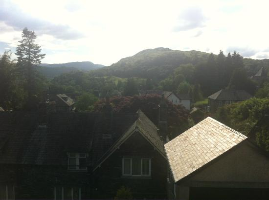 Ambleside Backpackers : Lovely view from room over to Todd Crag!