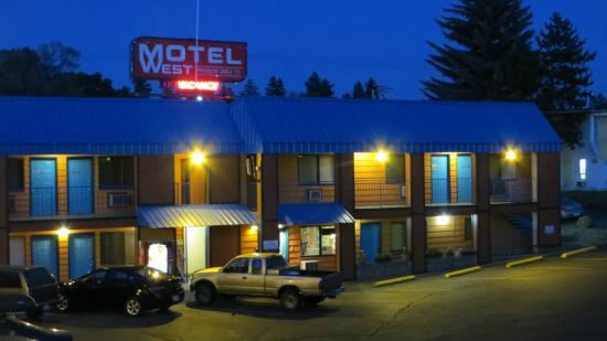 Motel West Bend Hotel Im Abendlicht