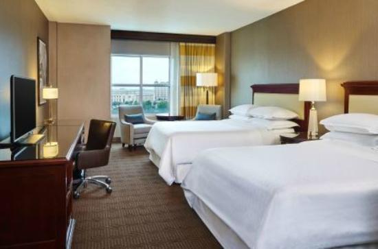 Sheraton Fort Worth Downtown Hotel 134 ̶1̶8̶5̶