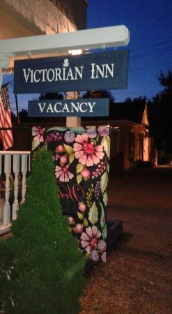 Blowing Rock Victorian Inn: We'll Leave the Light on