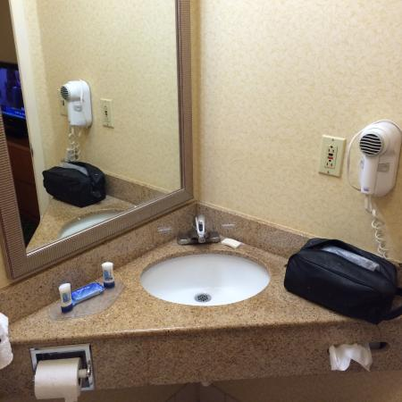 Fairfield Inn & Suites Merrillville : I actually had trouble combing my hair with the asymmetrical placement of the mirror