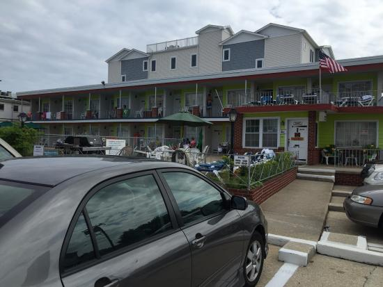 Sea Chest Motel : Front View2