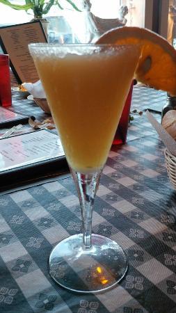 Beautiful Mama Leone's: Great Martinis!
