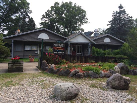 Marquette Trails Golf Club