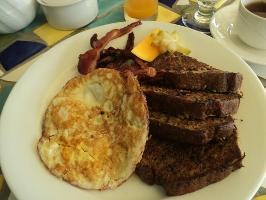 Mount Cinnamon Resort & Beach Club: Breakfast (Version 4: Eggs and toast)