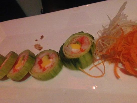 Tee Jay Thai Sushi in Wilton Manors : Sunshine Roll