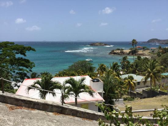 Bequia Beach Hotel Luxury Resort & Spa: View of Friendship Bay