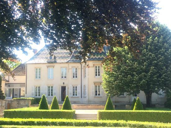Bouchard Pere & Fils: Maison Henriot