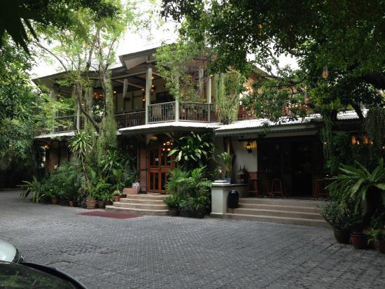 Entrance Picture Of Hemingway 39 S Bangkok Garden Bar