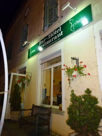Chardonnay, Frankrike: la façade de nuit