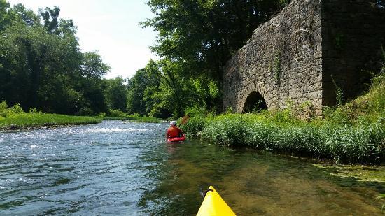 Redneck Yacht Club Canoe and Kayak Rental: Great time paddling Terrapin Creek.