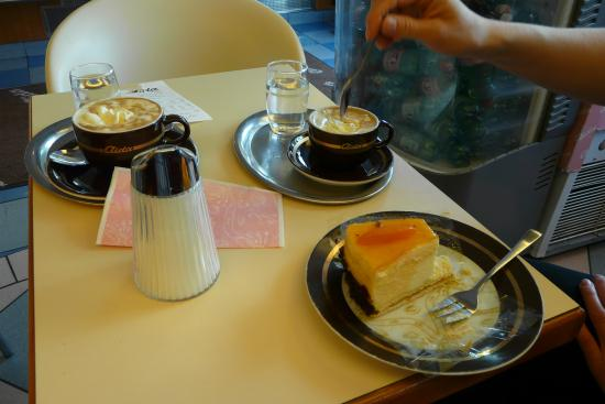 Cafe-Konditorei Aida