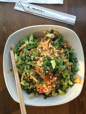Union Social Eatery: Yummy Chicken Panang Noodle Bowl