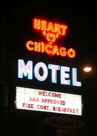 Heart O' Chicago Motel: Vintage illuminated sign.