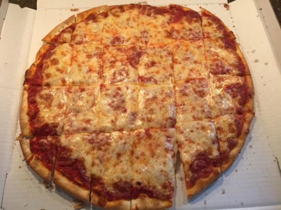 Roberto S Ristorante Pepperoni Pizza