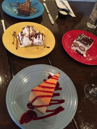 Piccino Wood Oven Pizza: Pizza great and dessert too!