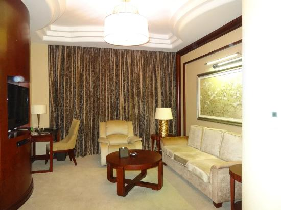 Xijiao State Guest Hotel: Separate sitting room