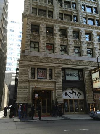the bathroom foto di hampton majestic chicago theatre. Black Bedroom Furniture Sets. Home Design Ideas