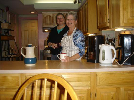 Parish House Inn: Innkeeper/owner Chris, and her daughter Martha, in the kitchen. Such lovely people!