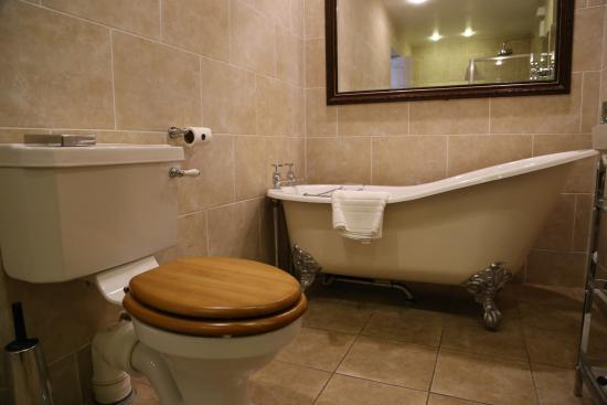 The Torridon Old Style Claw Foot Bath Tub And Wooden Toilet Seats