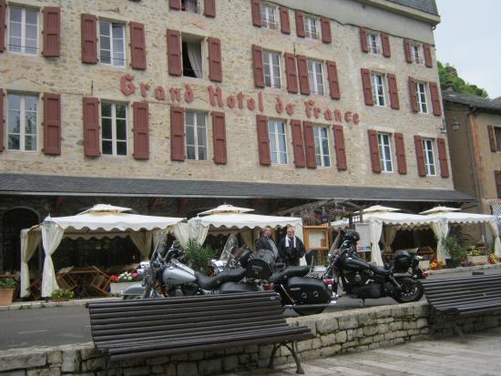 Grand Hotel de France : Devant l'hôtel