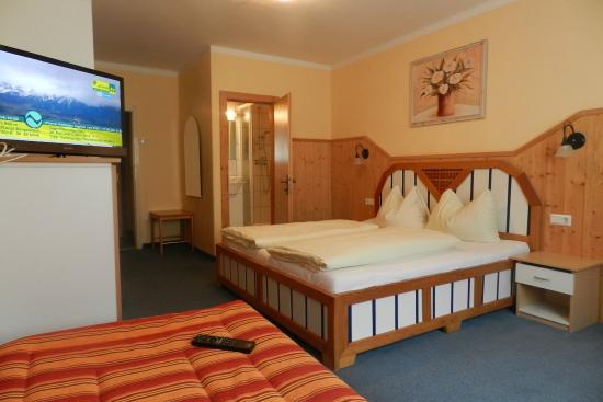 Hotel Garni Erlbacher: Doppelzimmer