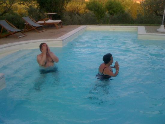 Agriturismo Castrum Normanno: bagni in piscina