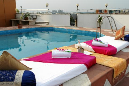 The Oasis Hotel: Rooftop Poolside Seating (Available on request)
