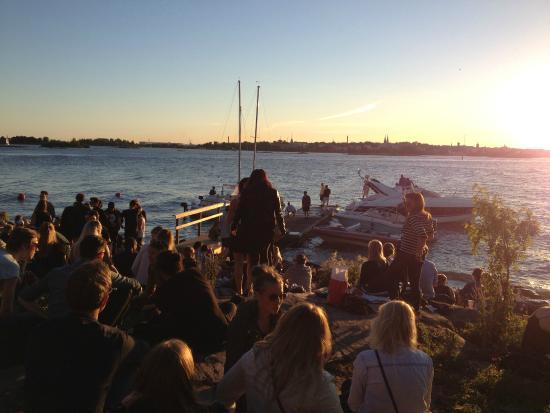 Artic Surf Shop - SUP-Courses & Tours: Helsinki skyline from Lonna island.