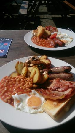 Fistral Chef : Cracking breakfast!